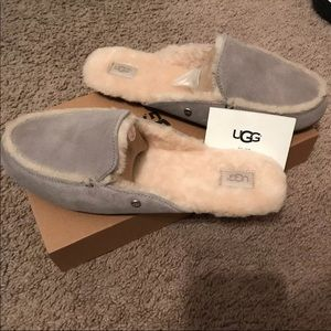 3eaab82f74f Ugg Lane Slip On Slippers NWT